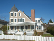 245 Beach Ave Kennebunk ME, 04043
