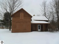 504 Spring Luther MI, 49656