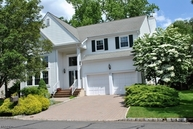 27 Rambling Dr Scotch Plains NJ, 07076