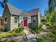 5809 Se Lincoln St Portland OR, 97215