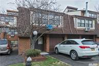 120-23 Cove Ct 94c College Point NY, 11356