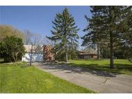 6997 Chadbourne Dr North Olmsted OH, 44070
