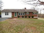 416 Oakwood Drive Hurt VA, 24563