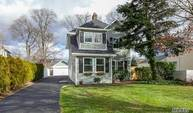 290 Windsor Ave Brightwaters NY, 11718