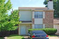 207 Country Bend Duncanville TX, 75137