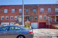 80-39 249th St Bellerose NY, 11426