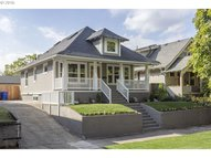 5825 N Concord Ave Portland OR, 97217