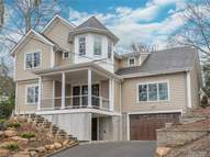 800 Connecticut View Dr Mill Neck NY, 11765