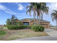 806 Par Court Apollo Beach FL, 33572