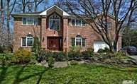 35 Meadow Woods Rd Great Neck NY, 11020