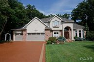 9609 N Oakforest Court Peoria IL, 61615