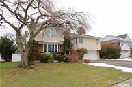 53 Maplewood Dr Plainview NY, 11803