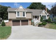 1233 Nw Timber Oaks Drive Blue Springs MO, 64014