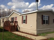43 Bud Dr Middlefield OH, 44062