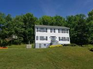 39 Burlein Dr Beach Lake PA, 18405