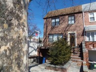 60-05 77th St. Middle Village NY, 11379