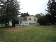 2461 Vollmer Dr Youngstown OH, 44511