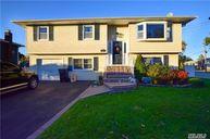 37 Westminster Ln West Islip NY, 11795