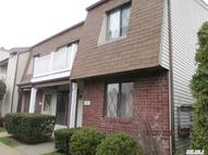 33 Cambridge Dr. W 33 Copiague NY, 11726