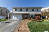 2992 Bayview Ave Wantagh NY, 11793