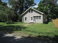 715 N 6th St Benld IL, 62009