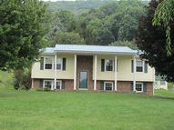 293 Gideon Lane Bluefield WV, 24701