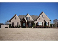 280 Greenbrier Lakes Boulevard Piperton TN, 38017