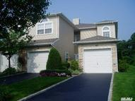 63 Windwatch Dr Hauppauge NY, 11788