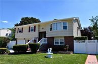 6 Loraine St Brentwood NY, 11717