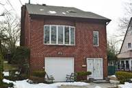 242-14 Barrows Ct Douglaston NY, 11362