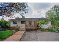 6451 Se Thorburn St Portland OR, 97215