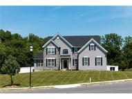 2 Creek Ct Easton PA, 18040