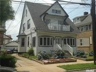 92-08 212th St Queens Village NY, 11428