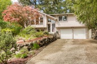 17102 Ne 84th Street Redmond WA, 98052