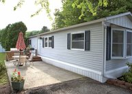 70 View Dr Pleasant Valley NY, 12569