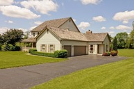 8 Shearwater Ct Hawthorn Woods IL, 60047