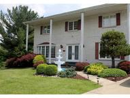 504 Greenbrier Ct Steubenville OH, 43952