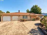 581 Ne 27th St Mcminnville OR, 97128