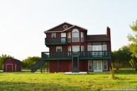 75 High Meadow Dr Lytle TX, 78052