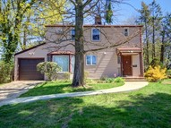 106 Deepdale Pky Roslyn Heights NY, 11577