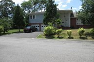 50 Gillette Ave Patchogue NY, 11772
