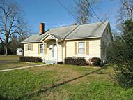 223 5th Ave Red Springs NC, 28377