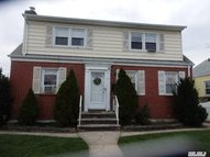 156 Cornwell Ave Williston Park NY, 11596