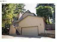 17264 Parkers Dr Gladstone OR, 97027