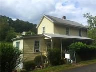 1054 Sunview Ave Jeannette PA, 15644