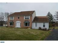 328 Gosling Dr North Wales PA, 19454