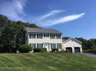 44 Westminster Dr Dallas PA, 18612