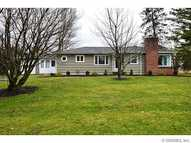 19 Earl Dr Rochester NY, 14624