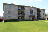 13953 West Leamington Drive 1004 Crestwood IL, 60445