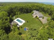 322 Foxwood Ln Mill Neck NY, 11765